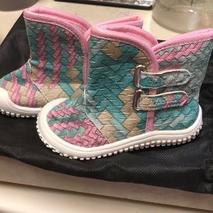NWT D.LINNLEATHER PASTEL BABY SHOES IN BAG